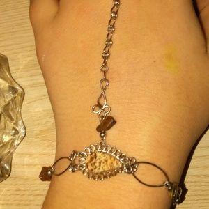 A ring bracelet